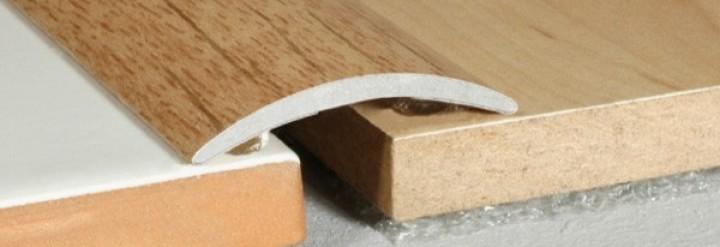 A03 prechodová lišta 3cm samolepiaca